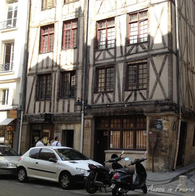 Street level of 11 & 13 rue François Morin