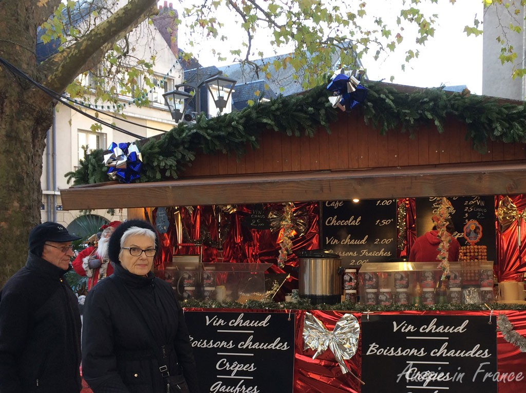 The traditional mulled wine stall at Blois Christmas market which is probably part of a chain!