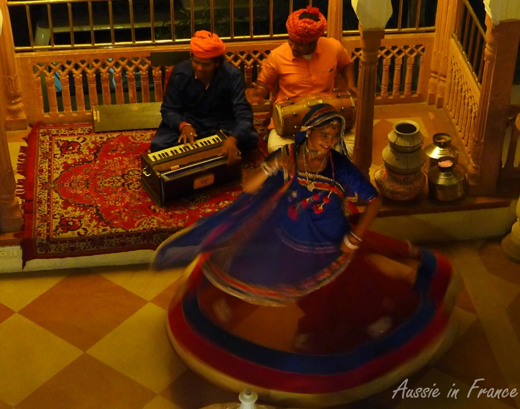 Musicians and dancer at Shahpura House Hotel