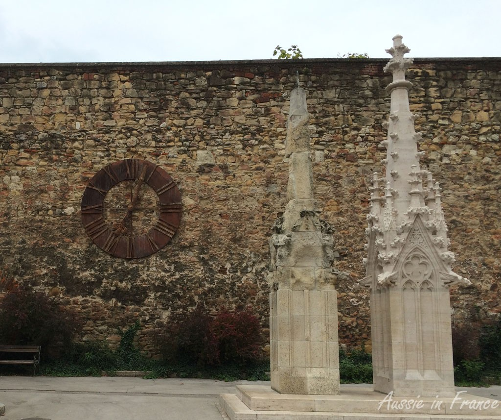 Comparison of renovation and non-renovation