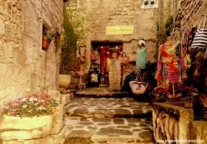 Les-Baux-de-Provence-CC-Carolyn-Ansky