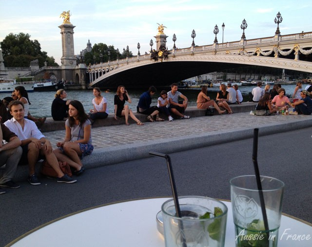Having a drink at Faust's with a view of the Alexandre III bridge