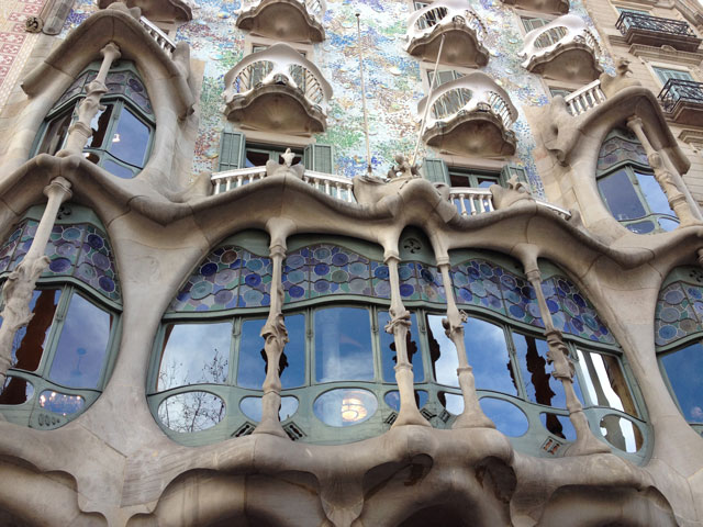 Façade of main floor of Casa Batllo