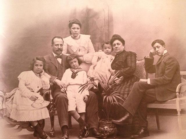 Batllo family