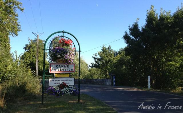 Road entrance to Candé sur Beuvron