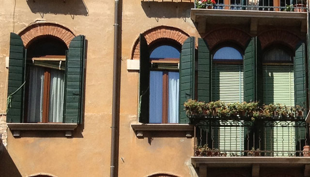 Venetian blinds and shutters in Venice