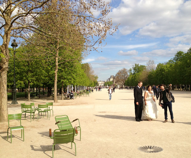 Bridal party in the Tuileries