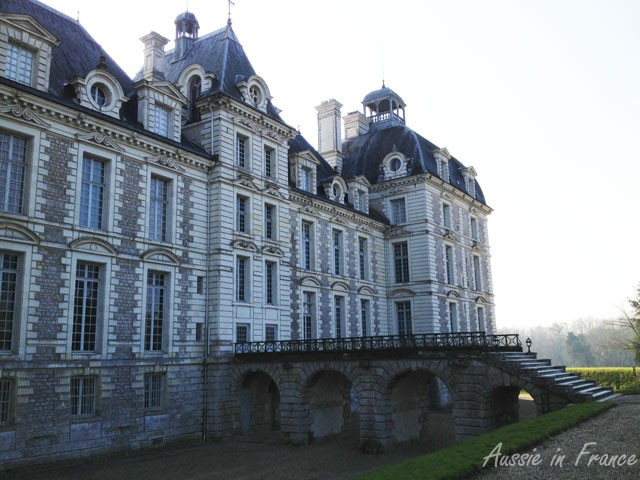 Back perron at Château de Cheverny