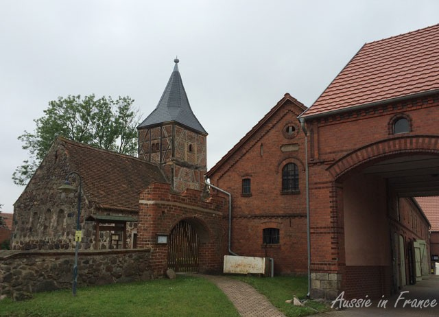 Church and farm building in Dahrenstedt
