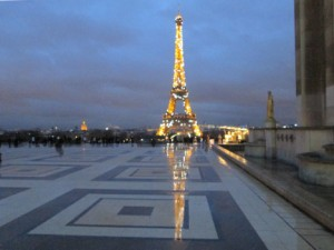 eiffel_tower_reflection