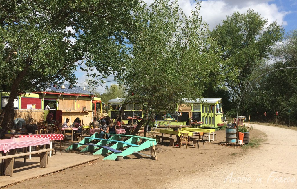 A local fête on the bike path in the middle of nowhere