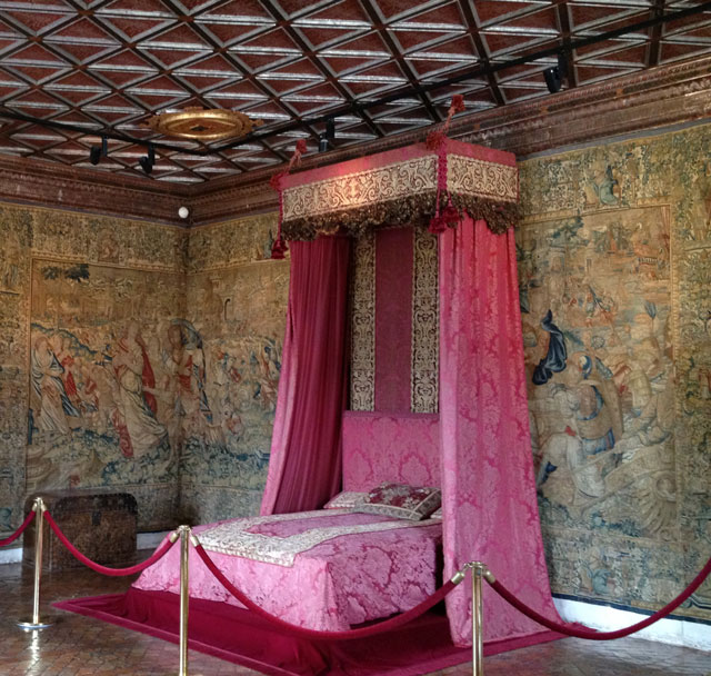 The Five Queens' Bedroom with its beautiful ceiling