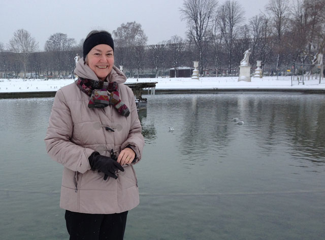 In front of the first pond in the Tuileries