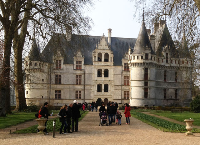 Front entrance to Azay-le-Rideau on Easter Sundy
