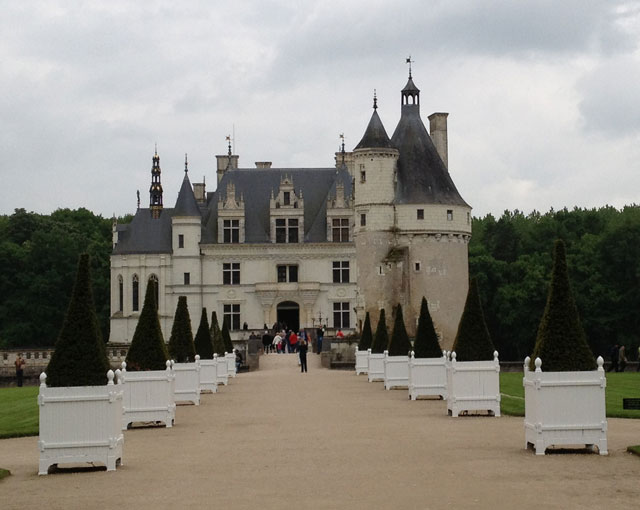Front view of Chenonceau on a rainy day in May 2013