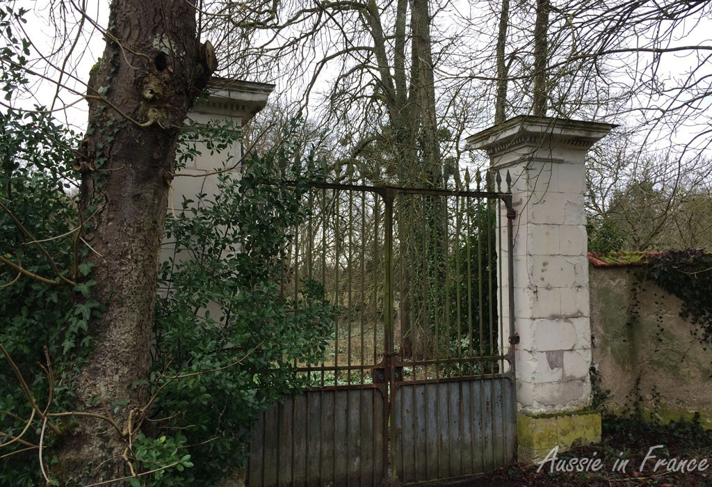 The ageing gate