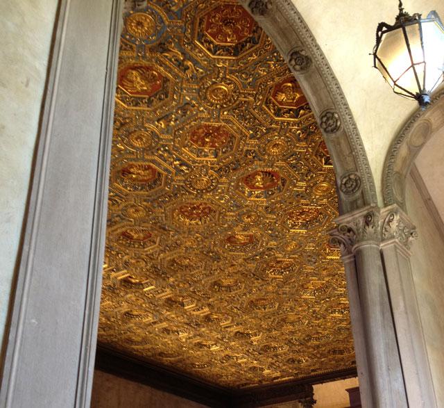 gilt_ceiling