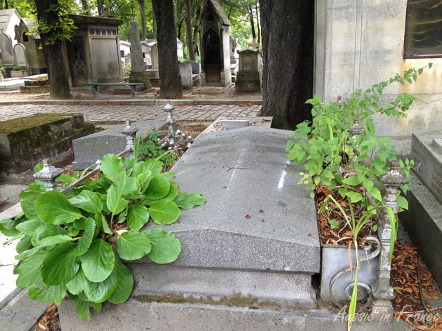 Peaceful gravestones at Père Lachaise near the Crematorium
