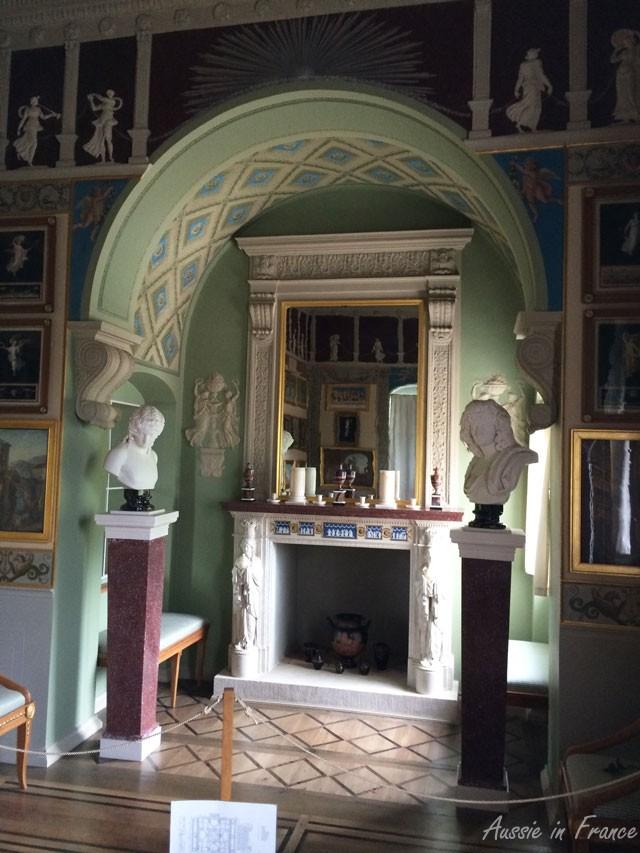 The fireplace inside Villa Hamilton