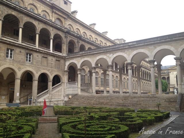 Courtyard of Hôtel Dieu hospital