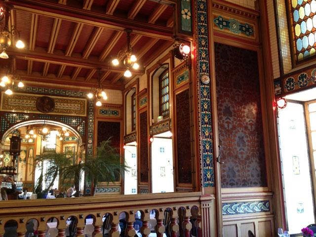 The main dining room at La Cigale