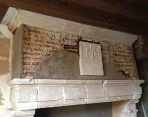 Mantle with rendering on one side