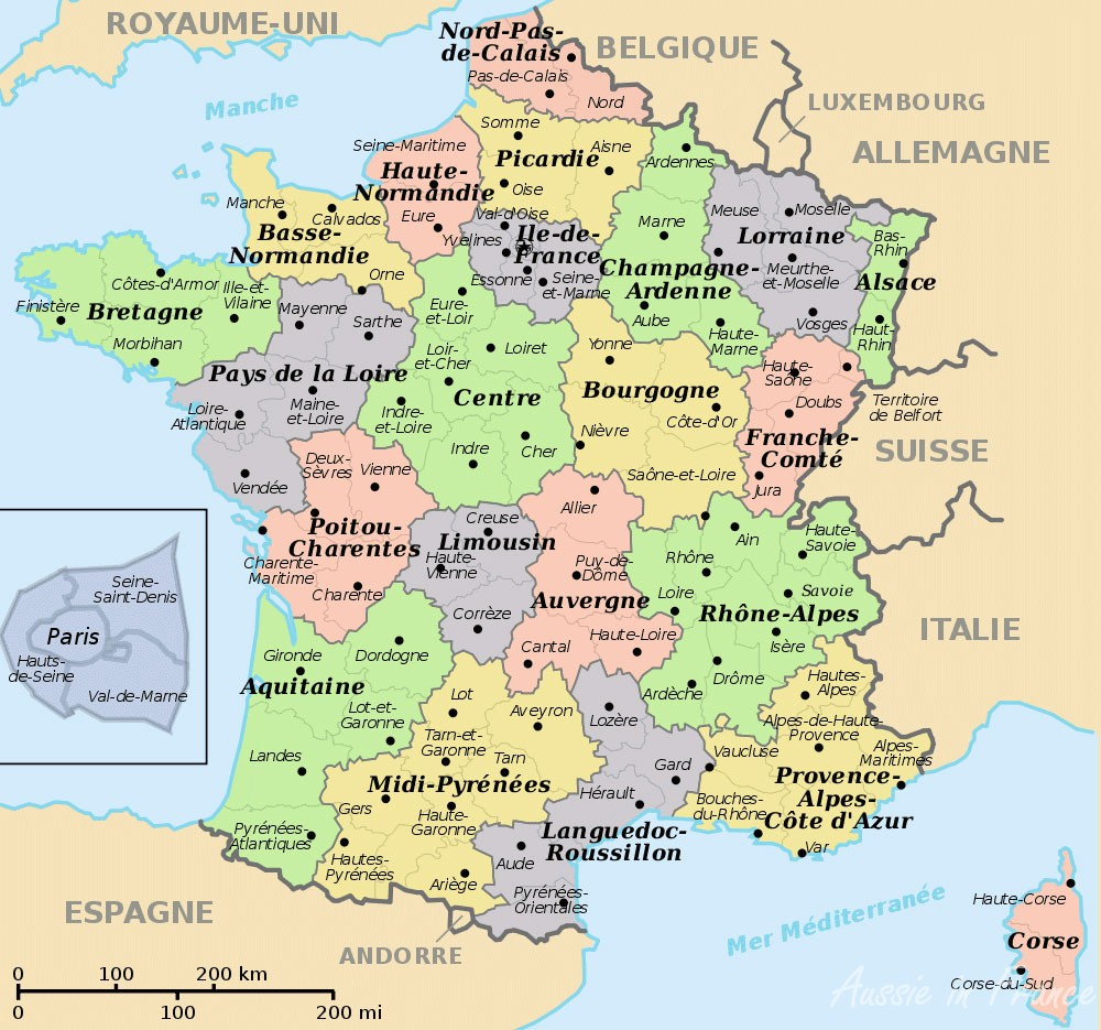 France's regions in bold letters and départements