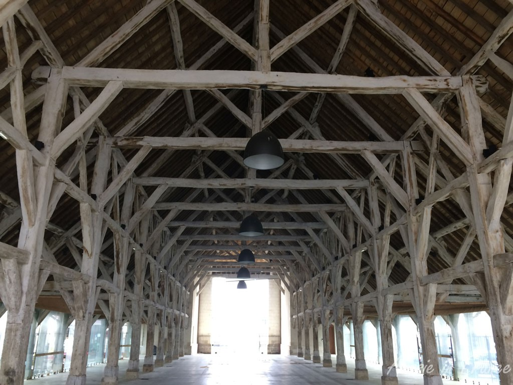The renovated market hall in Richelieu