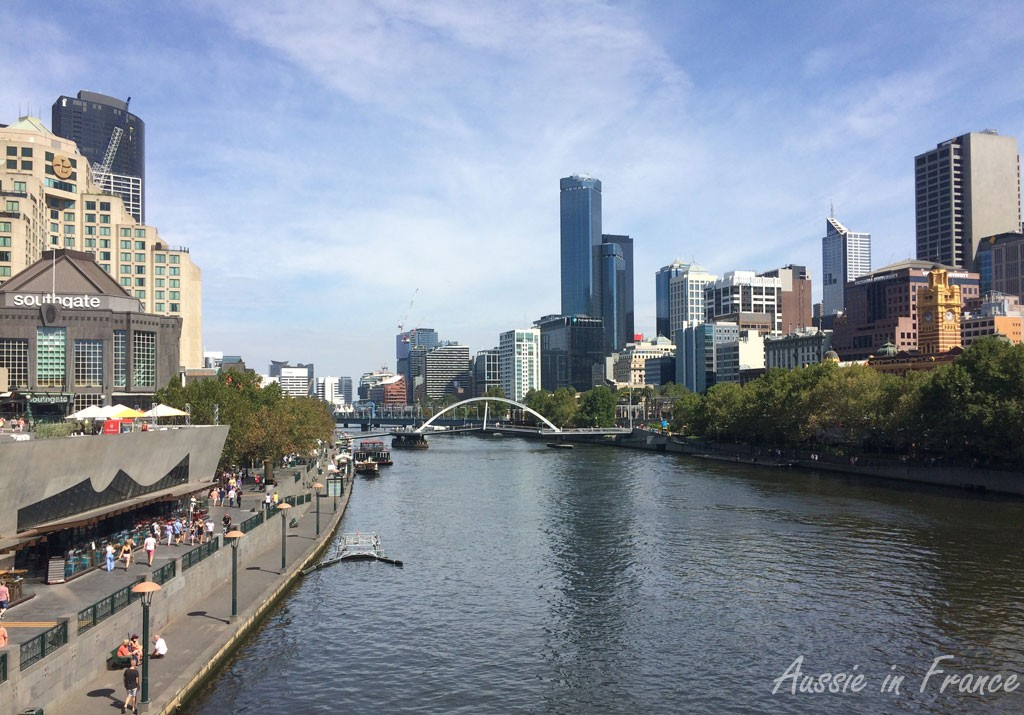 The Yarra River in Melbourne looking with Southgate on the left