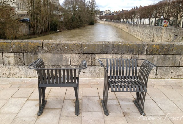 A pair of chairs in Vendôme - nothing to do with memory but I like the photo.