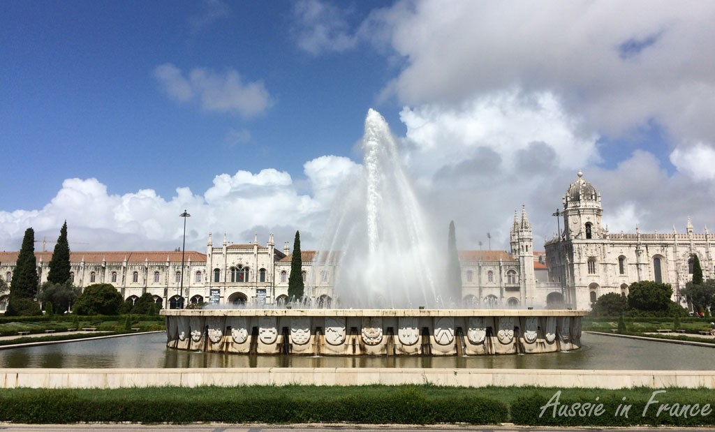 The fountain in Parque