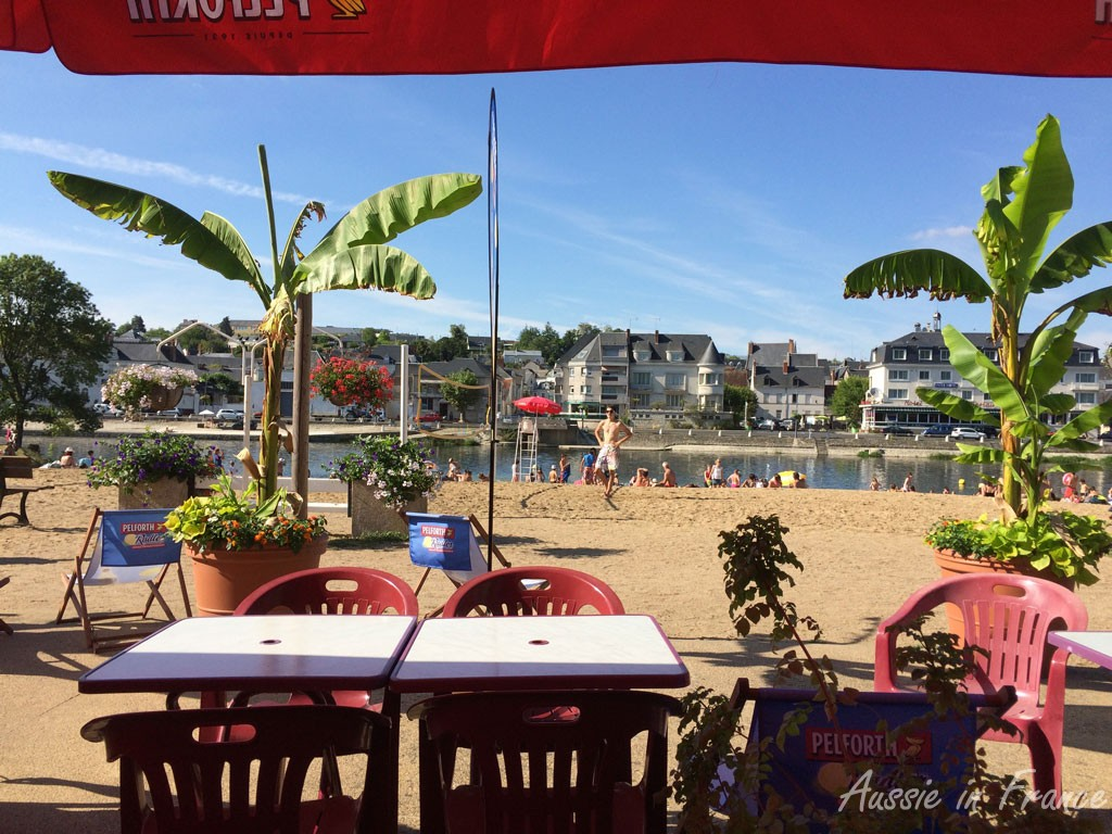 La Plage restaurant & bar at the beach in Montrichard