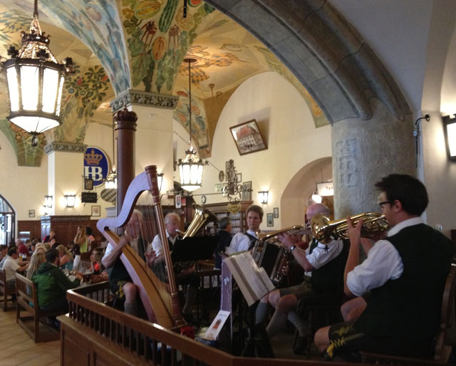 Musicians in Munich's most famous beerhall, the Hofbraühaus