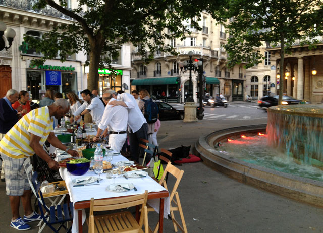 A neighbourhood spread at Place Malraux, opposite the Louvre