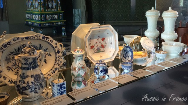 One of the porcelain showcases in the castle