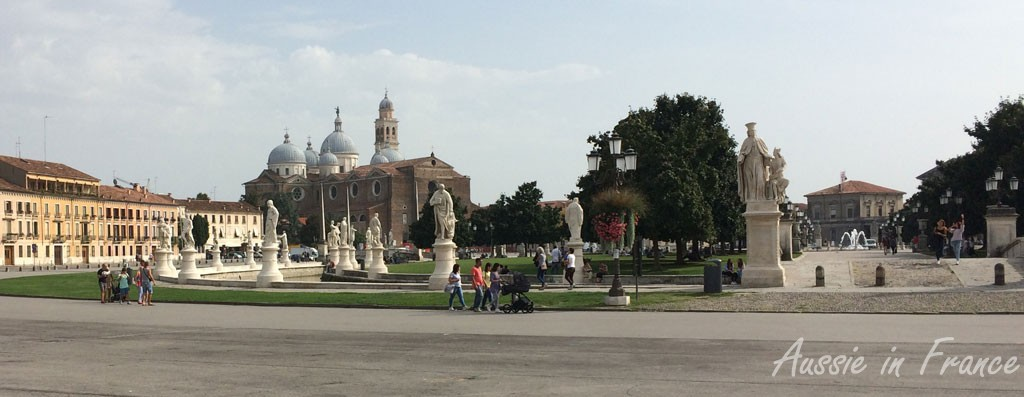 Our first glimpse of the 18th century Prato della Valle, once the site of an immense Romain theatre