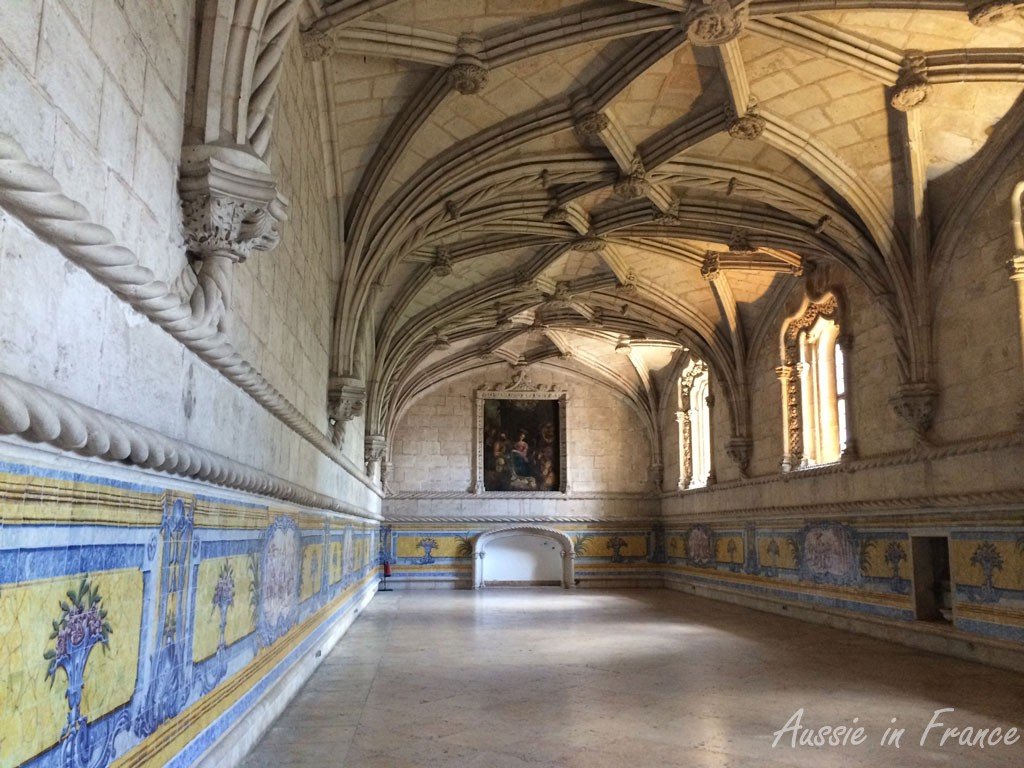 The refectory with its blue and yellow azulejos