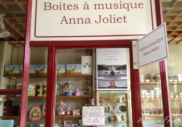 Closed until 19th August - the music box shop in the Palais Royal