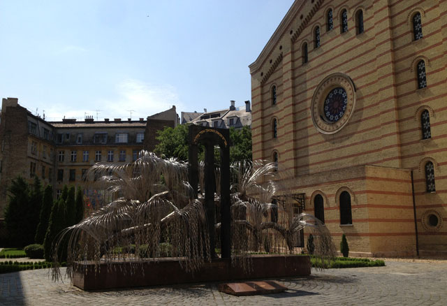 Synagogue and Weeping Willow