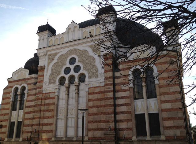 The Sofia Synagogue, built between 1905 and 1909 is a smaller replica of the Sephardic synagogue in Vienna destroyed during WWII.
