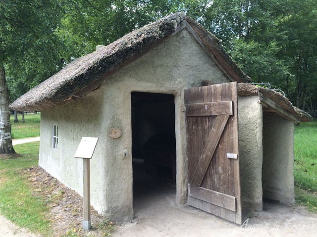 Small reed-thatched clay house in Moormuseum