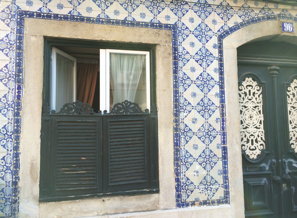 I love these half shutters and tiles
