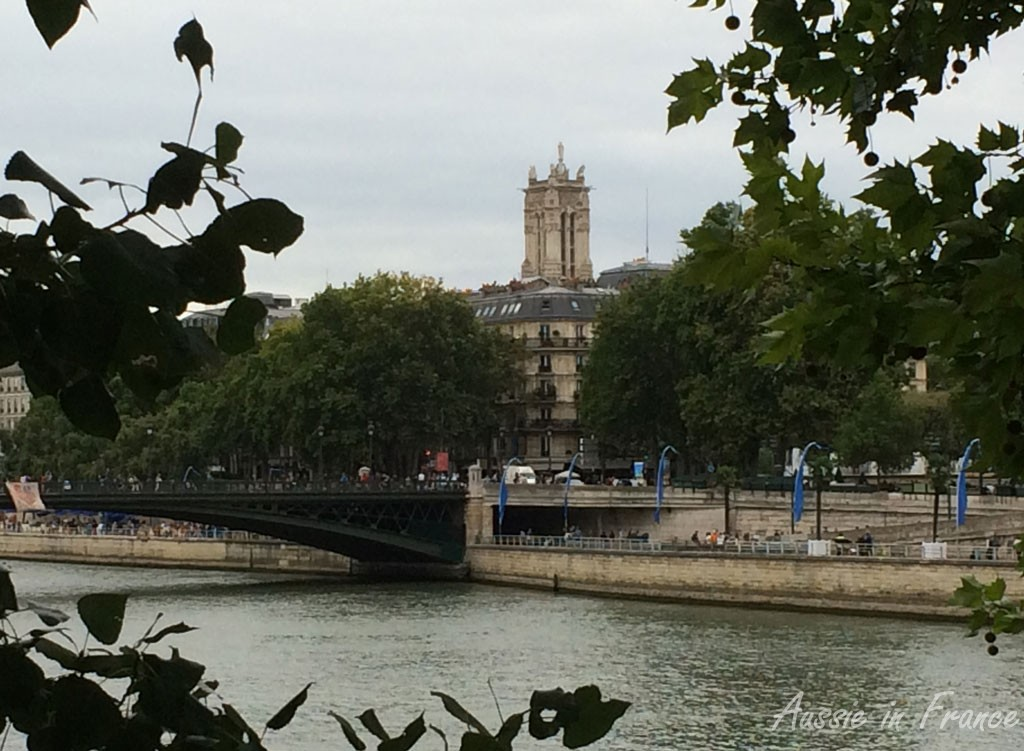 Tour Saint Jacques seen from Ile de la Cité