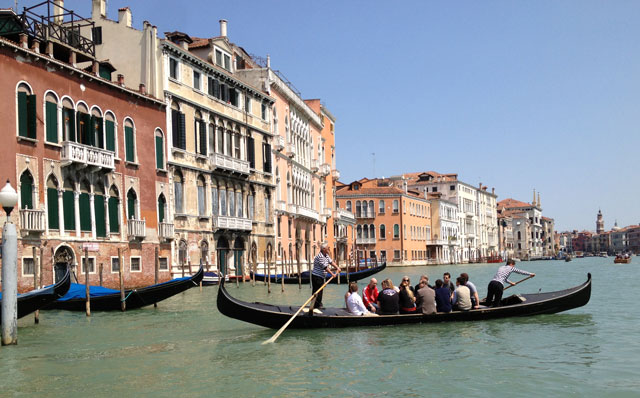 The tragetto (ferry) across the Grand Canal