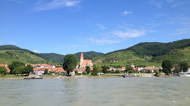 The village of Weissenkirchen from the ferry