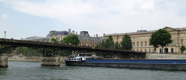 Working barge on the Seine